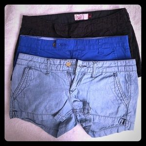 *lot* 3 pairs of SO brand shorts.